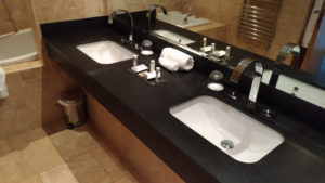 Seafield Hotel Bathroom