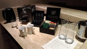 Deluxe Pool Suite - Coffee & Tea