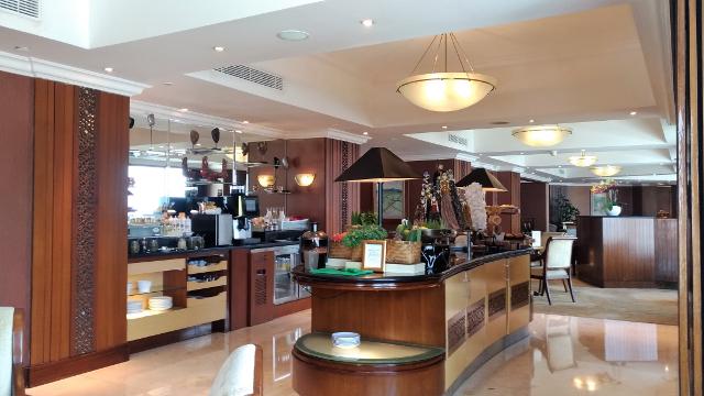 Shangri-La Surabaya Club Lounge