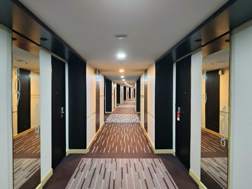 BW Amaranth Hotel Corridor