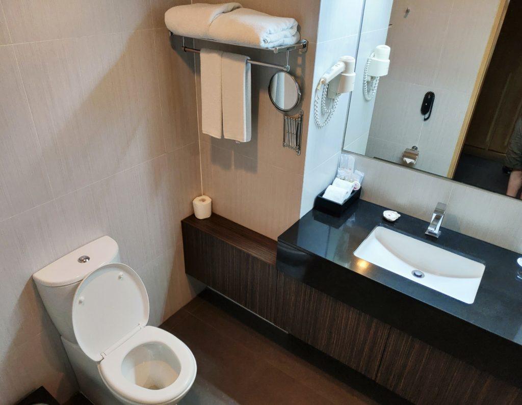 Amaranth Suvarnabhumi Bathroom