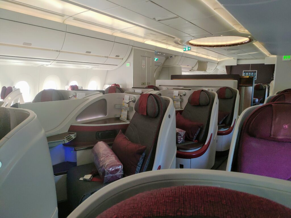 Qatar Airways QR17 to Dublin