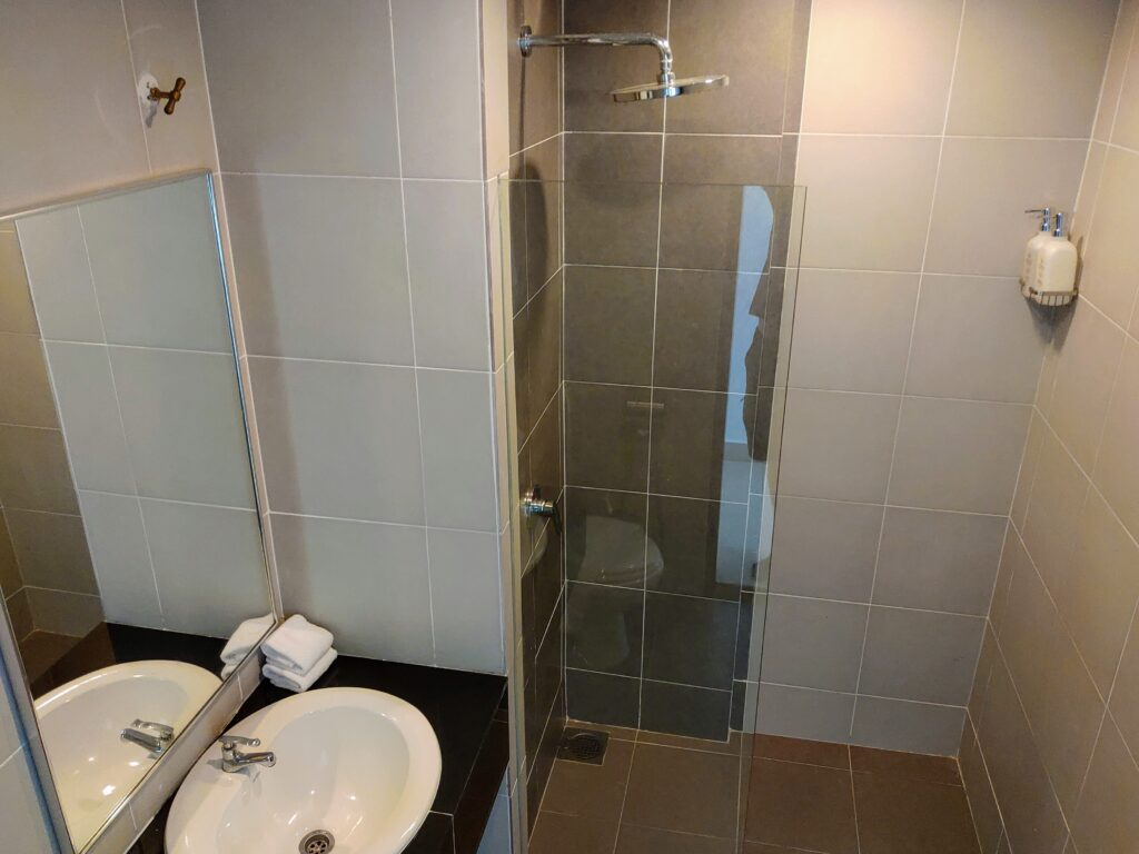 Avi Pulau Pangkor Bathroom