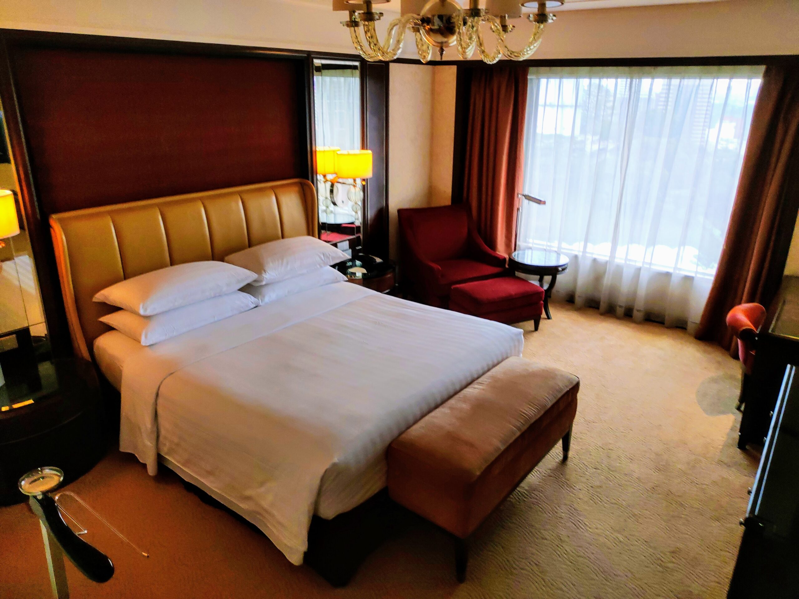 Shangri-La Executive Suite
